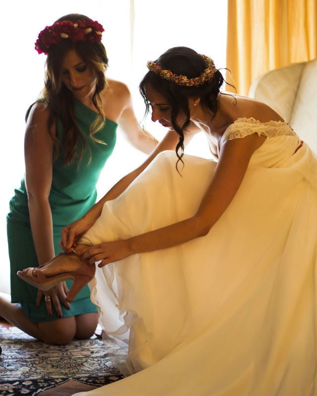 De la mano de la novia. La Luciernaga Bodas.
