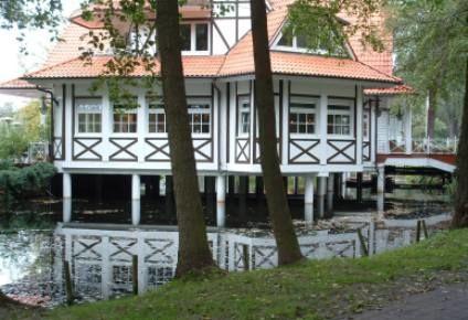 Beispiel: Außenansicht Hochzeitslocation, Foto: Seelodge Kremmen.