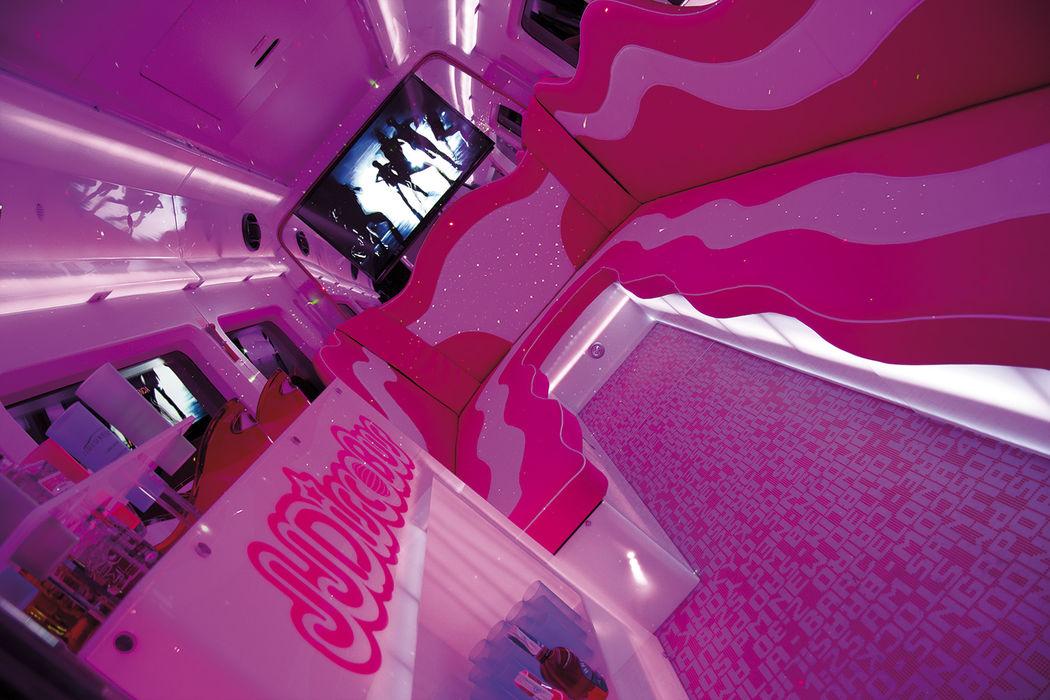 BUS016 JJDiscobus 21 Pink