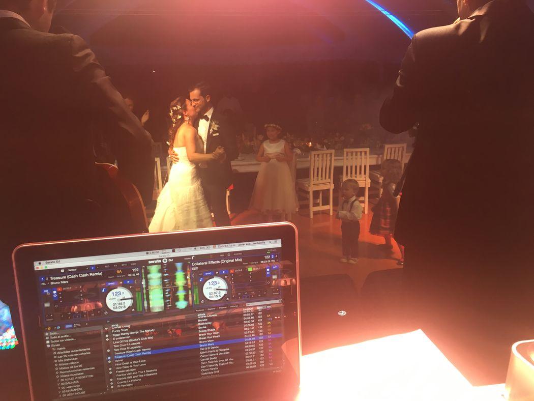 Cuatro 40 Eventos by Dj Javi Fuentes en la boda de Manuel & jhoanna Alemania y colombia