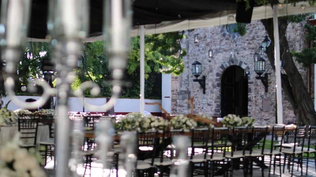 Jardín Misiones-Ex capilla