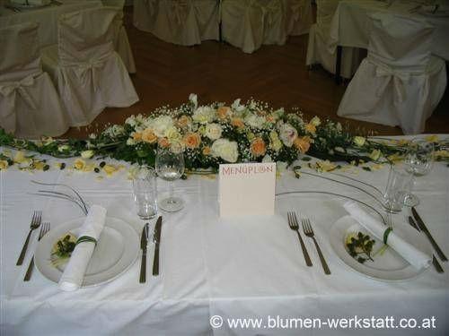 Beispiel: Florale Tischdekoration, Foto: Blumenwerkstatt Klára Kwas.