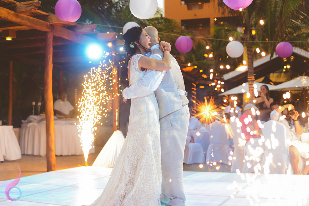 The Ocean Photo Weddings Cancun Wedding at Fiesta Americana Condesa