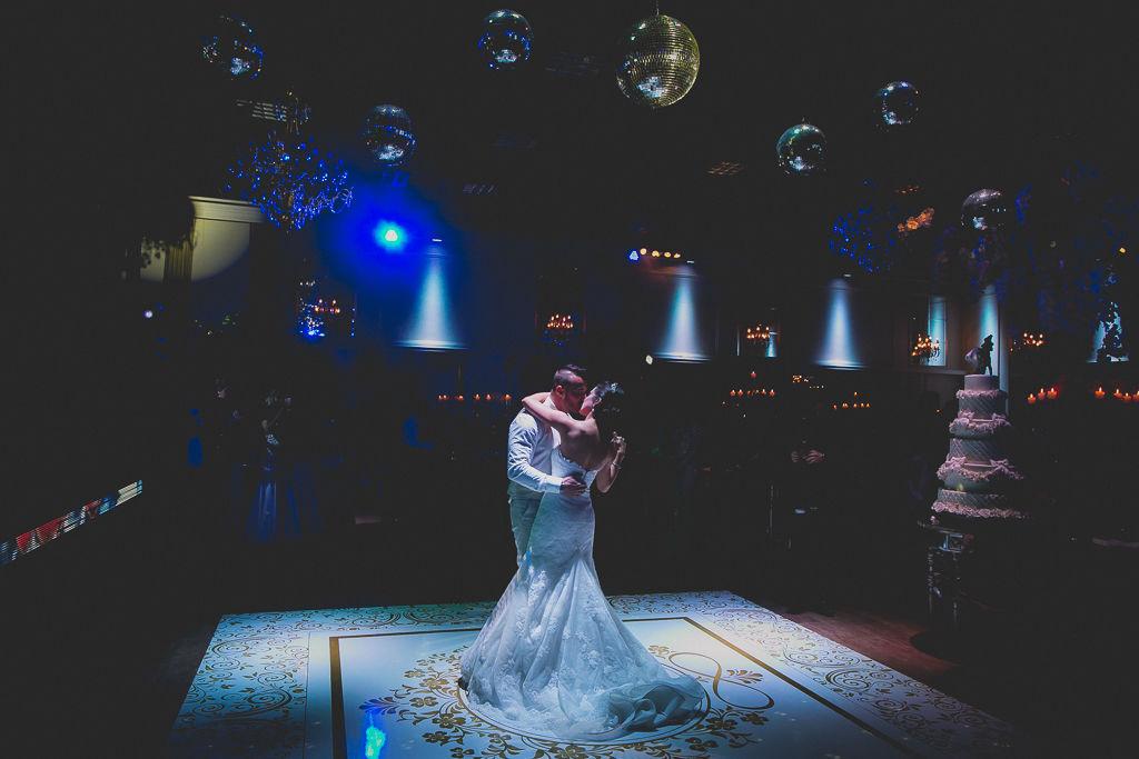 Foto premiada mundialmente presentando um dos momentos mais importantes do casamento. Foto: Noz Fotografia