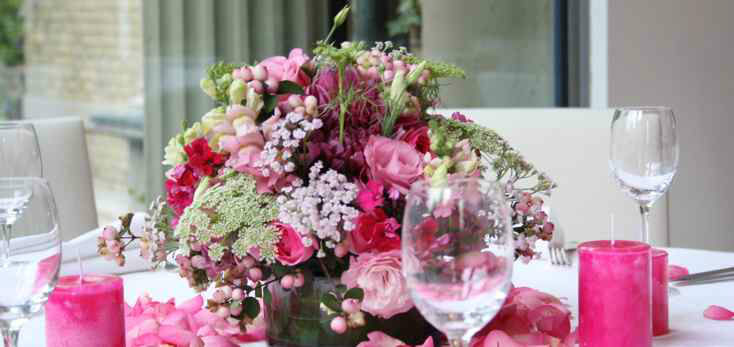Beispiel: Dekoration Ihrer Hochzeitslocation, Foto: Blumenbinder Trittmacher.