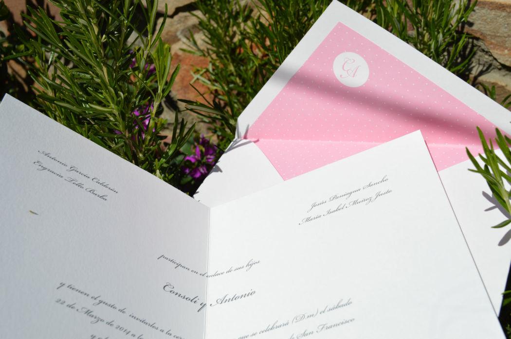 Invitación Plumeti iniciales