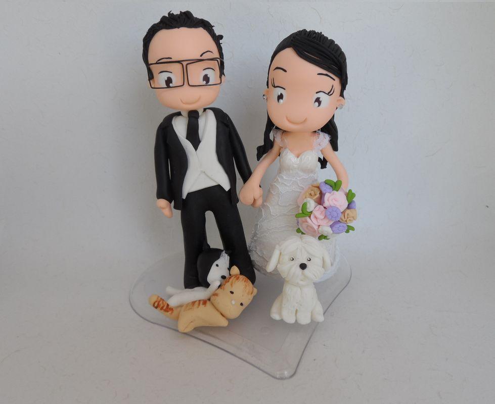 Noivinho de Biscuit Personalizado com seus bichinhos de estimação, cachorrinho e gatinho.