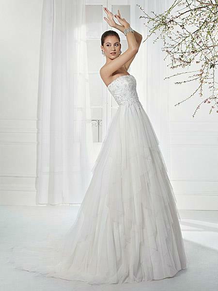 Beispiel: Brautmode mit Stil, Foto: Liluca St. Gallen.