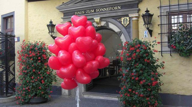 Beispiel: Hochzeitsballons, Foto: BallonIdee.