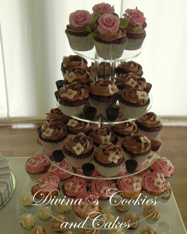 Divinas's Cakes.