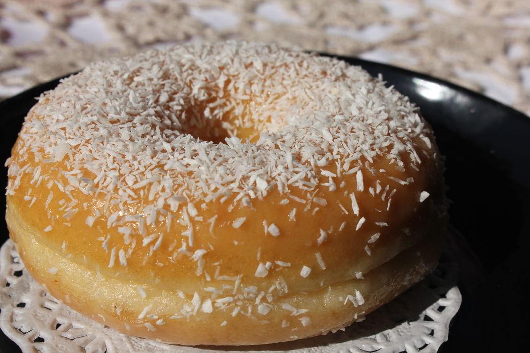 Donut com cobertura de côco
