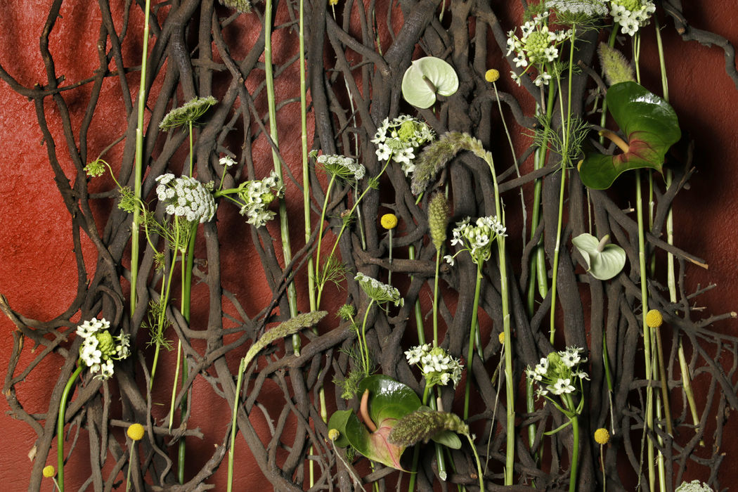 Detalles Floristika, en todos nuestros eventos trasmitimos con detalles pequeños o grandes la pasión y amor que le tenemos a las flores, cada detalle es importante para nosotros. Buscamos materiales de vanguardia y novedosos para hacer y crear algo diferente.