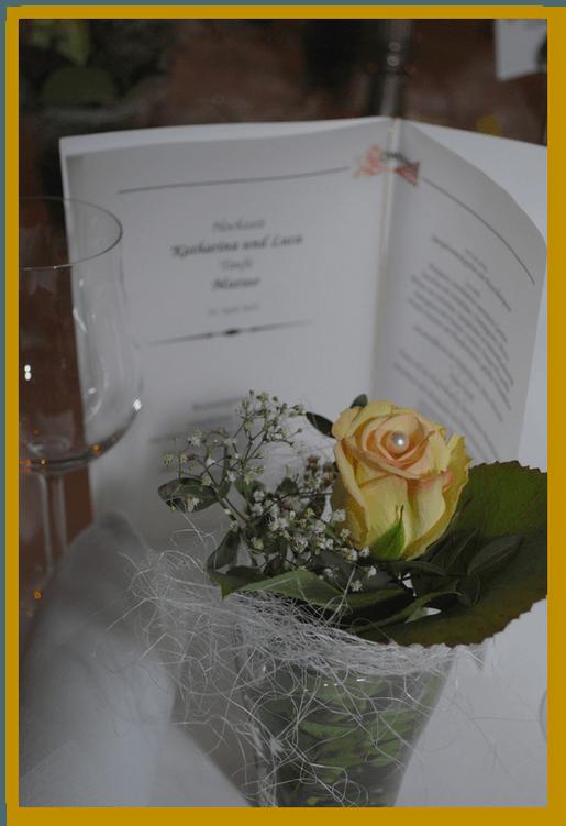 Beispiel: Blumen für den Hochzeitstisch, Foto: Die Blumen-Lounge Göllner.