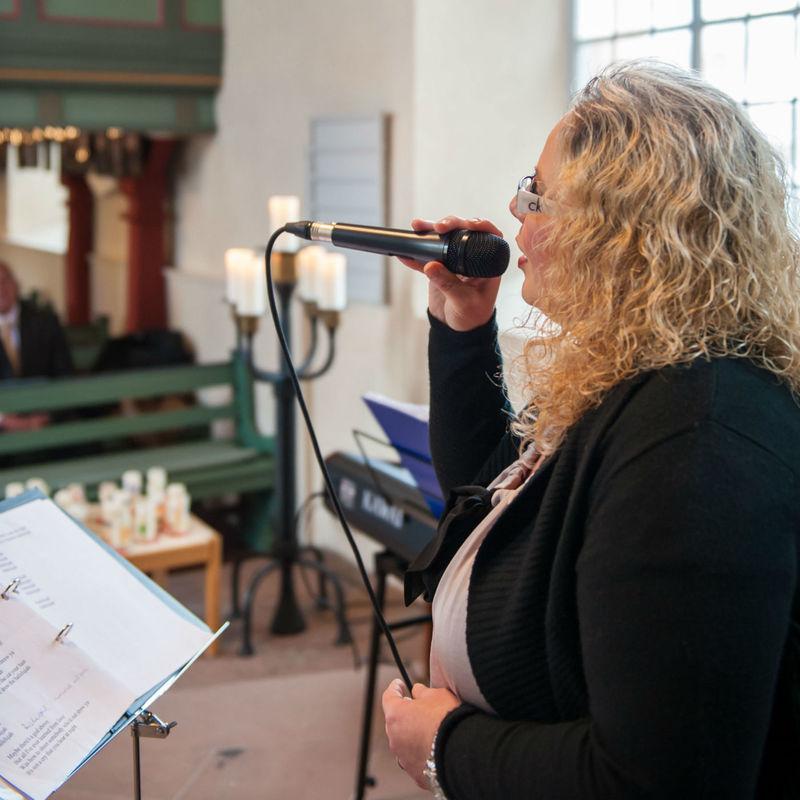 Beispiel: Kirchliche Trauungszeremonie, Foto: Birgit Kröcker.