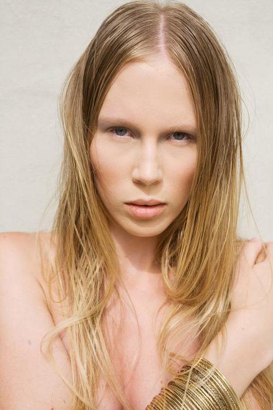 Make up/Hair Carla Aledda Nude Look
