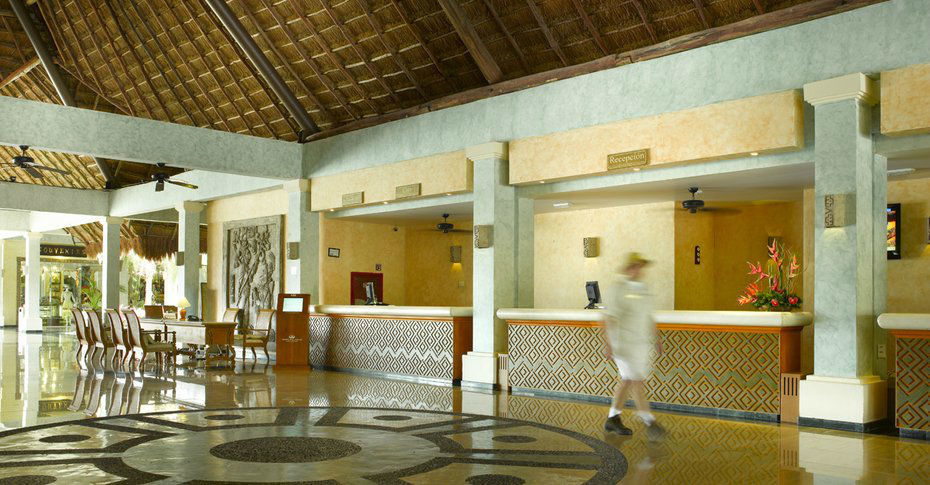 Grand Palladium White Sand Resort & Spa ubicado en la Riviera Maya para que celebres tu boda