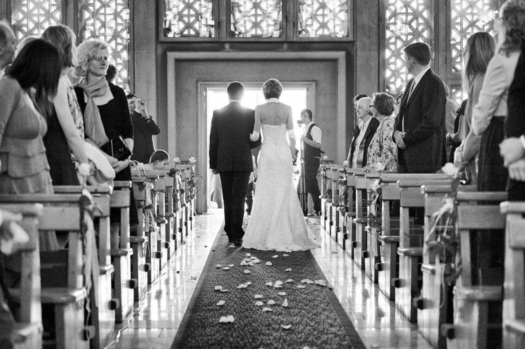 Beispiel: Fotos von der Trauung, Foto: Weddingpix.