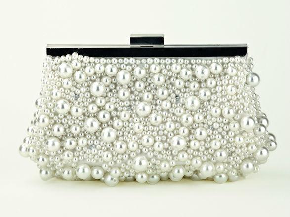 Beispiel: Brauttasche, Foto: Braut-Atelier 09.