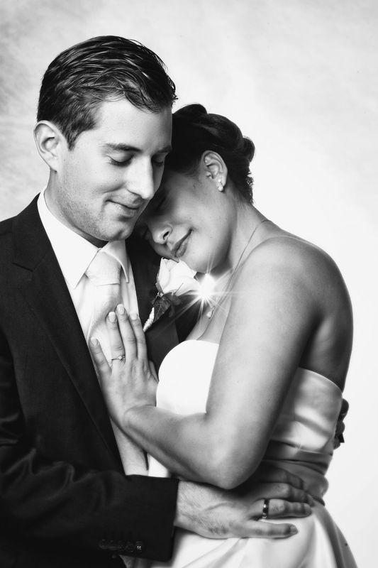 Beispiel: Hochzeitsfotos in Schwarz-Weiß, Foto: Bildschmiede Fotografie.
