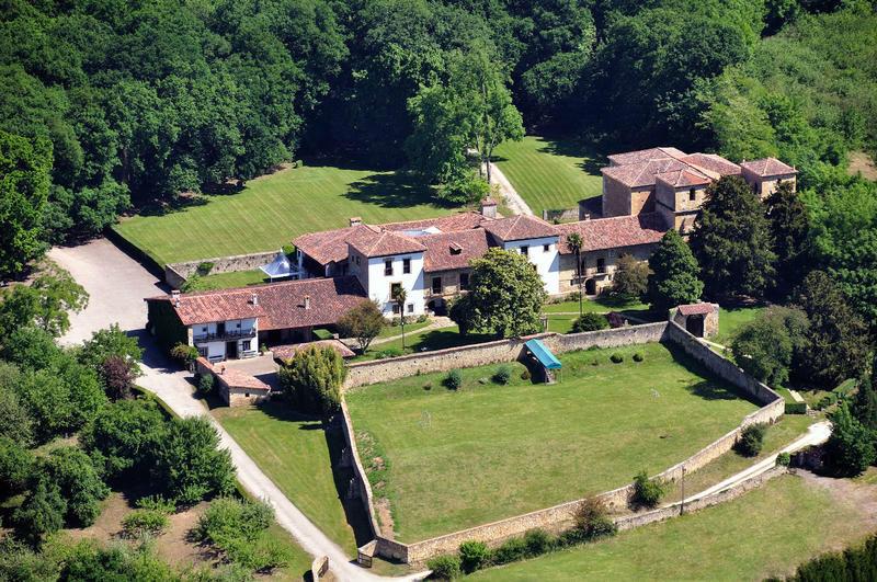 Vista aérea del Palacio de Meres