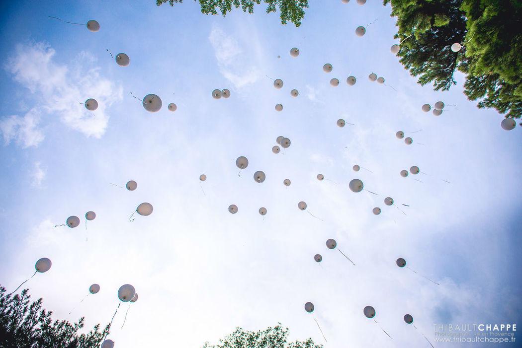 J´ai 2 Amours cérémonie laïque terminée par un lâché de ballons