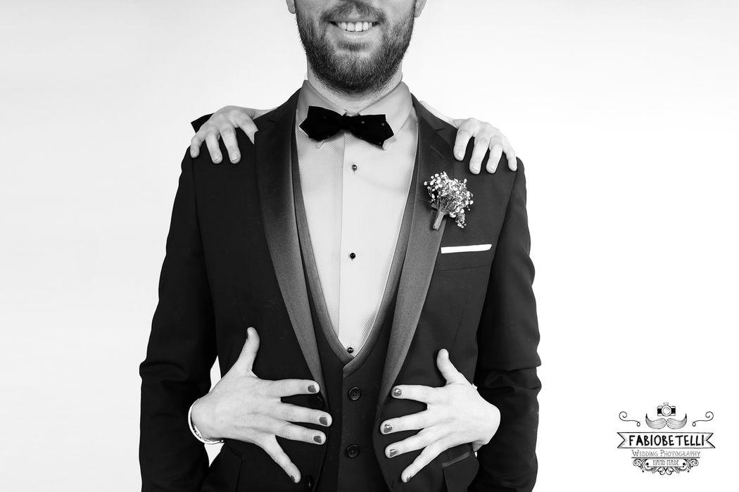 ©FABIOBETELLI - p h o t o g r a p h y International Wedding Storyteller  Dalmine - Romano di Lombardia Fabio Betelli e' un fotografo di matrimonio, specializzato in reportage con un approccio creativo.  Le sue foto raccontano matrimoni interi dall'inizio alla fine, le sue foto ti faranno emozionare e ti seguiranno per il resto della tua vita.     E' membro di alcune tra più importanti associazioni di fotografi di matrimonio al mondo come l'italiana ANFM, e la russa MyWed.   Vive con la sua bellissima famiglia in provincia di Bergamo e tutti i weekend e' in viaggio per fotografare matrimoni sui laghi di Como o Garda, dal Piemonte al Veneto, fino alla Sicilia, ma anche Belgio e Ungheria.  In breve, vi seguira' in tutto il mondo per documentare il vostro matrimonio. Non importa se il tuo matrimonio sarà in una spiaggia esotica, su una montagna innevata o nel giardino dei tuoi genitori, gli piacerebbe essere lì per te.