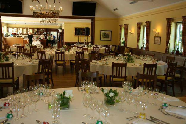 Beispiel: Hochzeitsbankett, Foto: Restaurant Hirschau.