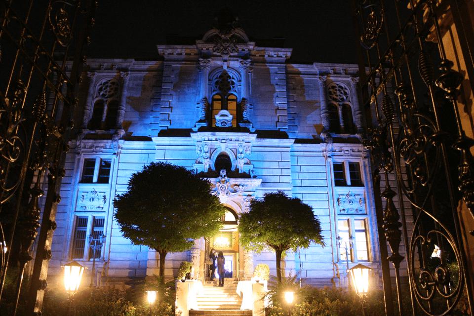 Beispiel: Aussenansicht bei Nacht, Foto: GenussRäume der SchulerGruppe Logensaal Fürth.