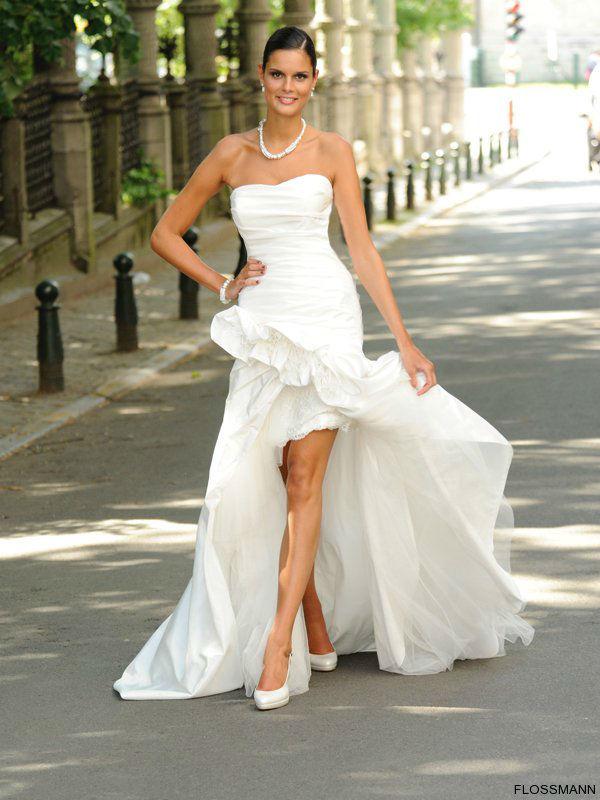 Beispiel: Hochzeitskleider, Foto: Brautsalon Flossmann.