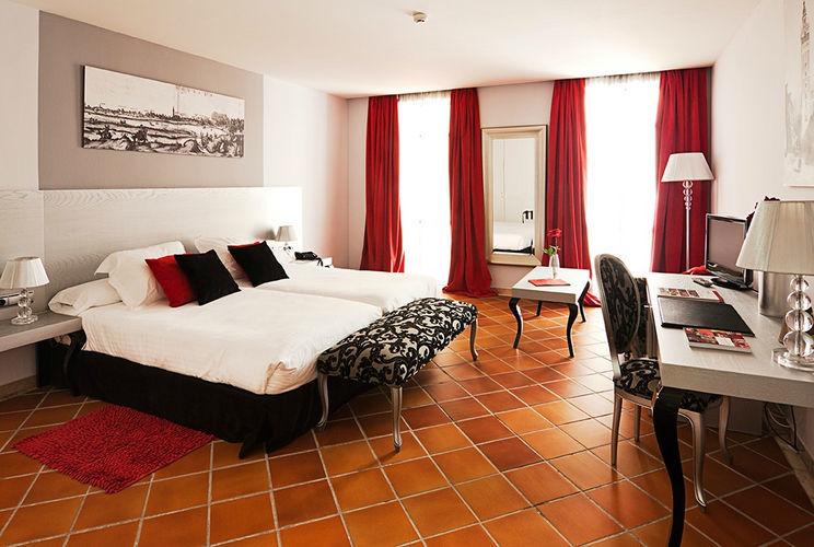 Hotel Los Seises by Fontecruz.