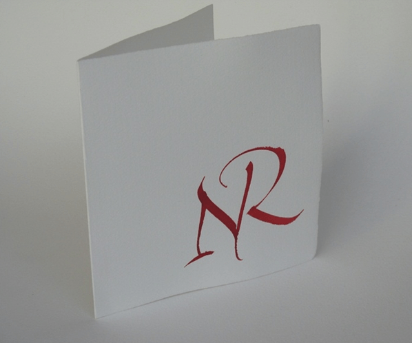 Beispiel: Hochzeitseinladung mit Initialen, Foto: Hobl + Sohn.