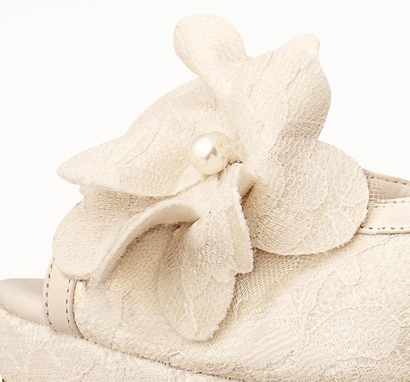 ¡Margarita qué lindo tu nombre!  Así se llama este flowerclip ideal para tu zapato de novia