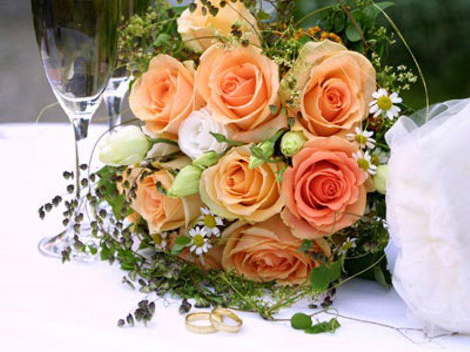 Beispiel: Brautsträuße zum Verlieben, Foto: Blütenraum.