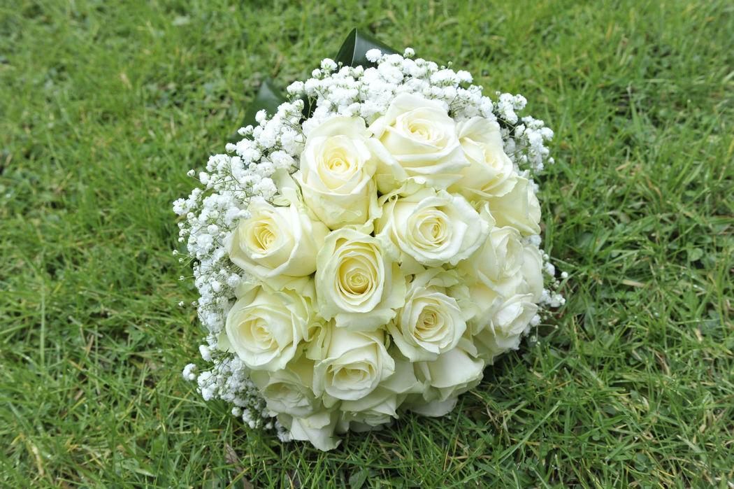 L'Angolo Fiorito, Curno (Bg): bouquet con rose #Fiorista #matrimonio #Bergamo