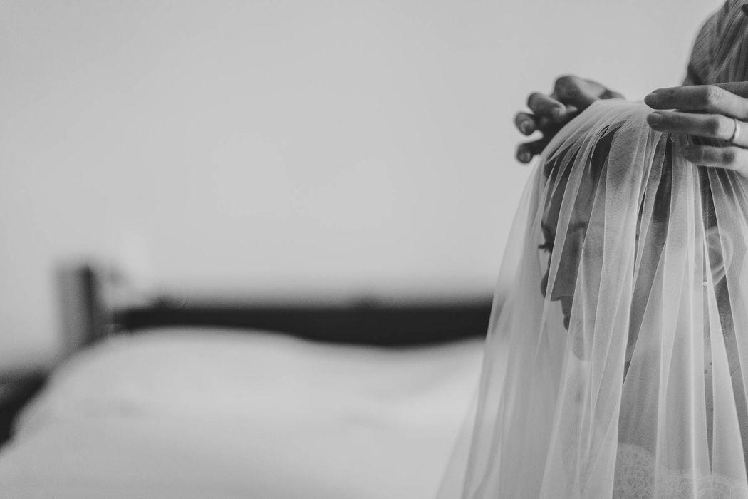 destination wedding photographer real traditional  Italy angela angelaphoto angela.photo matrimonio italia sud tradizionale romantic romantico