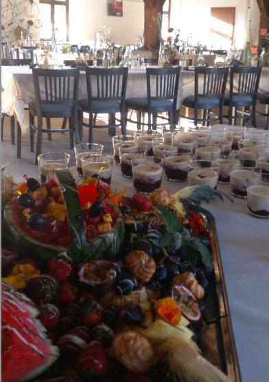 Beispiel: Tischdekoration / Buffet, Foto: Gut Neuensund.