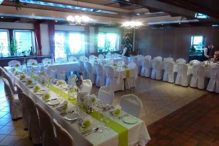 Beispiel: Festtagstafel, Foto: AKZENT Hotel Zur Grünen Eiche.