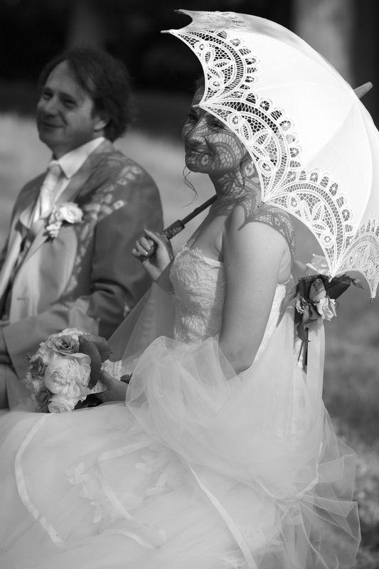Agence Evolution, à l'ombre des mariés.