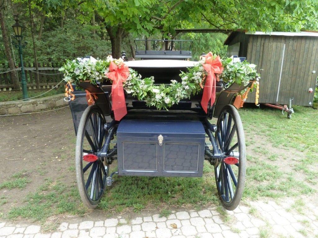 Beispiel: Blumen für die Kutsche, Foto: Toifl Blumen.