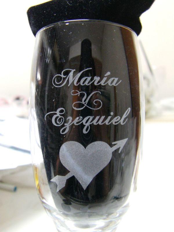 Copa de Champagne para Brindis de los Novios, Tallada especialmente y personalizada.