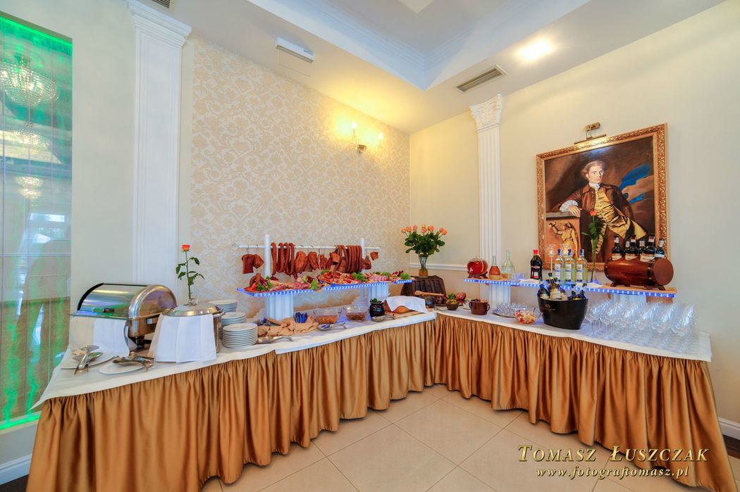 Zajazd Wincentów: zastawa stołowa