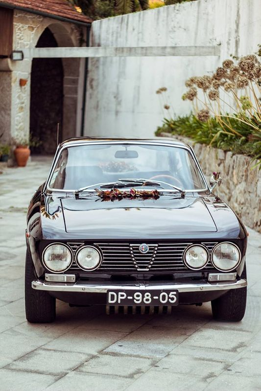 Alfa Romeo 2000 GT Veloce (preto)