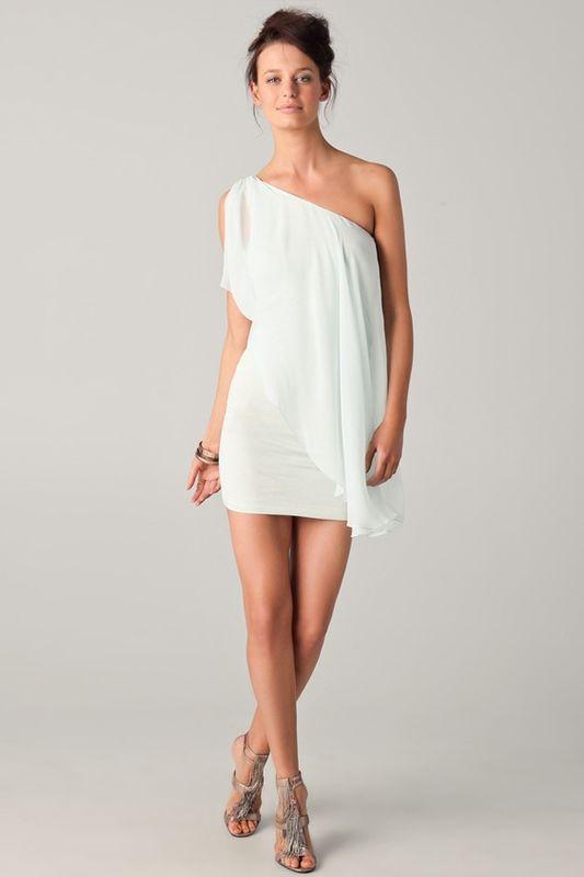 Robe de mariée plage en mousseline de soie en dépôt-vente chez Mariage en Rose.