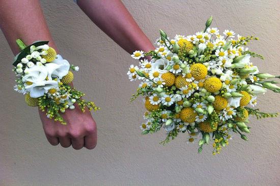 Beispiel: Wunderschöne Hochzeitsfloristik, Foto: Elements - Floristik.