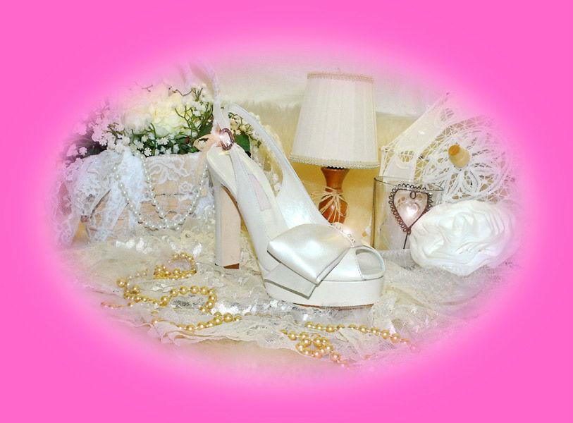 Sandalo sposa fiocco strass con plateau.