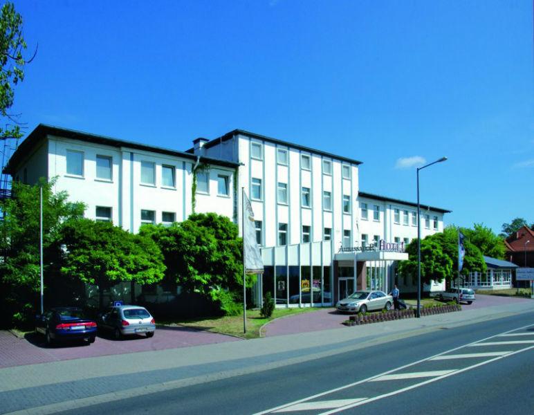 Beispiel: Vorderansicht, Foto: AKZENT Hotel Assambador.
