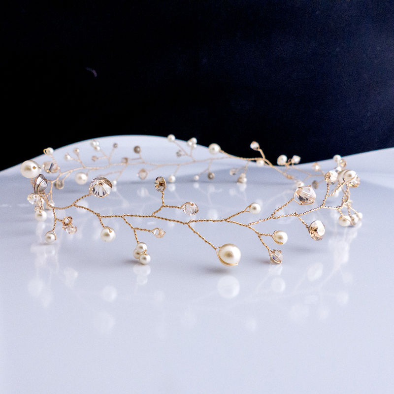 vigne de cheveux (serre-tête ou bandeau) en plaqué or, cristaux et perles Swarovski