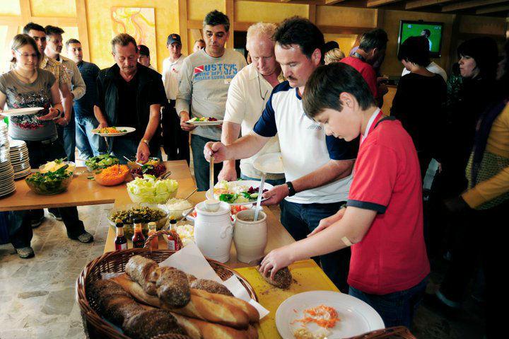 Beispiel: Büffet im Restaurant, Foto: Karting Expodrom.