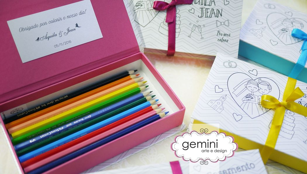 Caixa para damas e pajens, com lápis de cor e acabamento personalizado