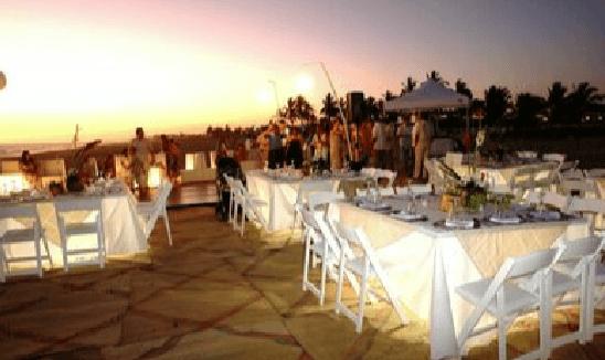 Montaje y banquete de boda al aire libre - Foto Dans le monde